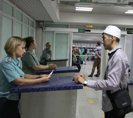 Дагестанская таможня разъясняет порядок перемещения физическими лицами  товаров для личного пользования через таможенную границу 14da8bf7cfb