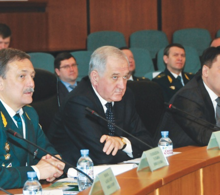 Имеют ли право на границе росси¤ -казхстан пограничники вскрывать пломбы на фуре