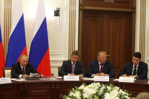Владимир Путин проведет вКалининграде совещание оразвитии транспорта