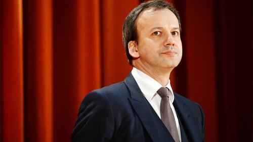 Дворкович пообещал недопустить перебоев схлебом в северной столице