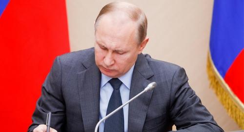Путин разрешил повышать вывозные пошлины нанефтепродукты до90%